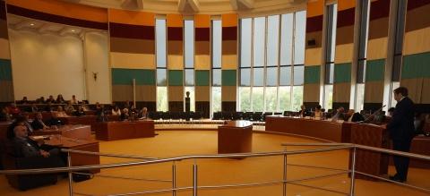 سخنرانی افتتاحیه کنگره توسط نماینده پادشاه هلند و فرماندار ایالت لیمبورگ آقای باون