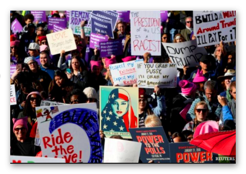 شعار زنان: ترامپ رئیس جمهور آمریکا یک فاشیست است