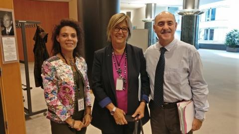 آقای ارشد و خانم مرسدس برسو نماینده پارلمان اروپا و معاون اقتصادی و فرهنگی اتحادیه اروپا
