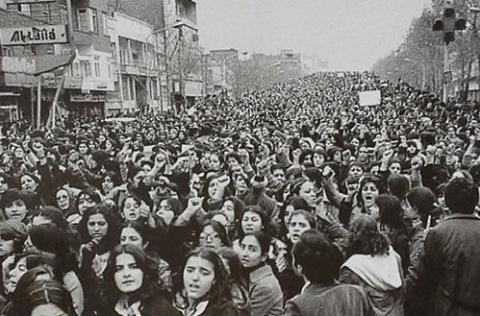 تظاهرات-علیه-حجاباعتراض-به-حجاب-3